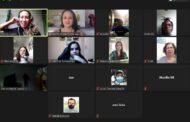 Alunos do projeto Jovens em Atuação participam de entrevista com artista local