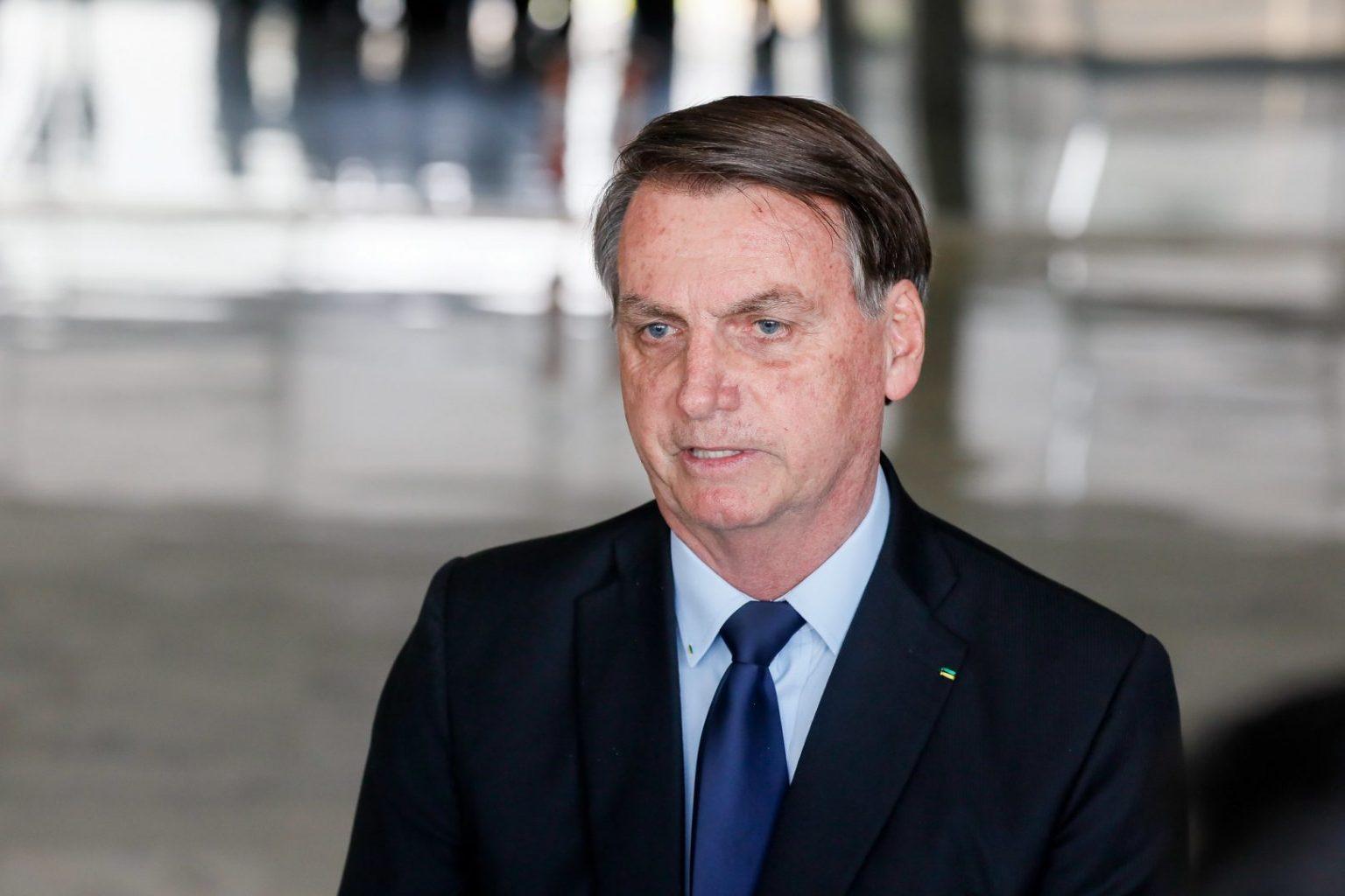 Bolsonaro edita decreto que regulamenta ajuda emergencial ao setor cultural