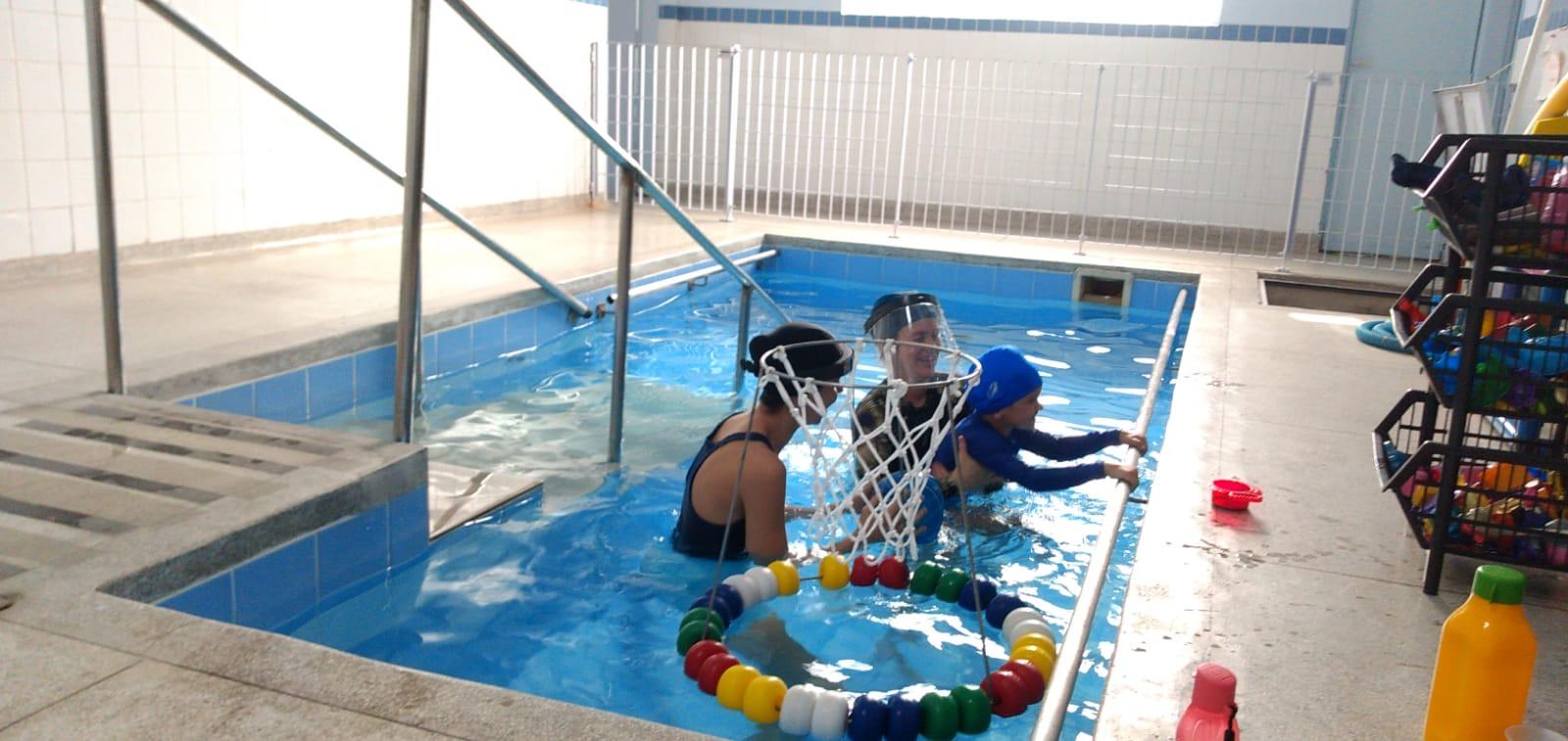 Em São Sebastião, Centro de Reabilitação da Topolândia retoma hidroterapia para reabilitação neuromotora