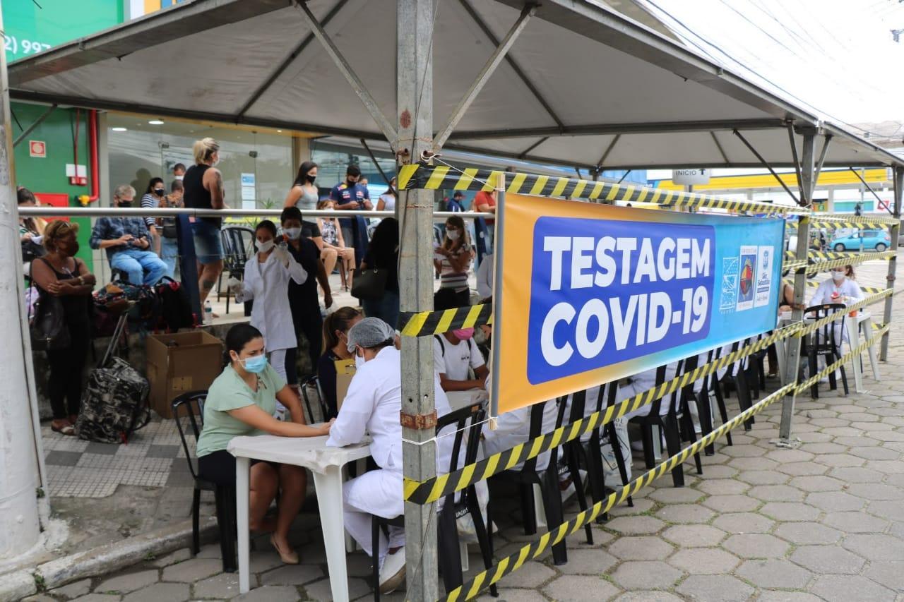 Mais de 600 pessoas realizam teste rápido para Covid-19 nesta sexta-feira em São Sebastião