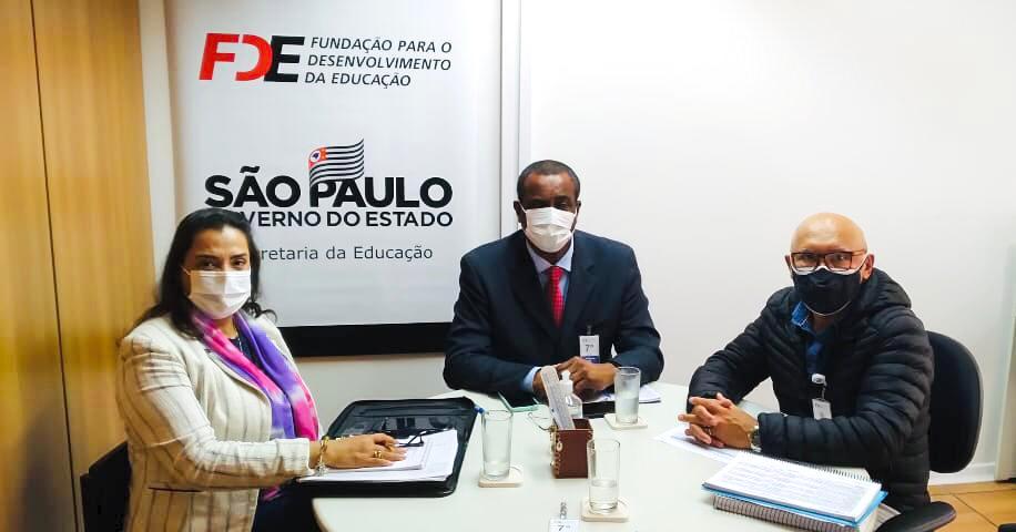 Secretários da Prefeitura de São Sebastião participam de reunião na Fundação para o Desenvolvimento da Educação