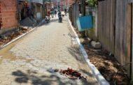 Prefeitura de São Sebastião avança ainda mais o calçamento comunitário e entrega rua na Vila Sahy